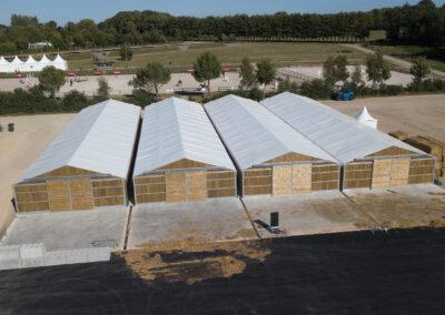 Vue de haut toit Demobarn Cheval Liberté Covers